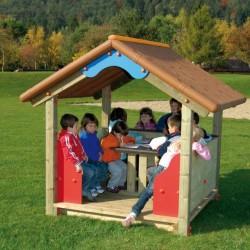Cabane pour enfants avec une table et 2 bancs