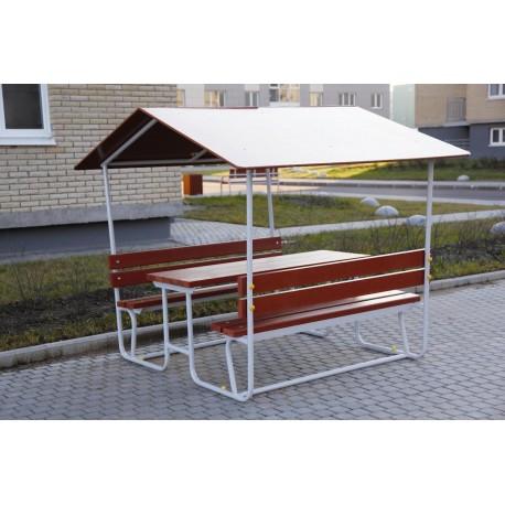 Table avec bancs et appentis