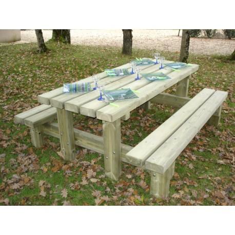 Table pique-nique rustique