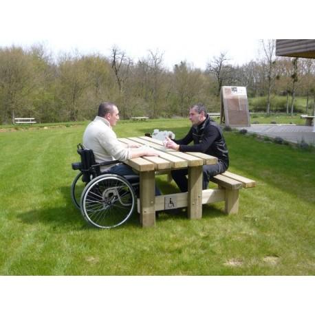 Table pique-nique bois rustique PMR